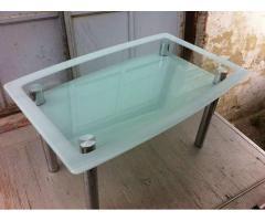 Szklany masywny stol!