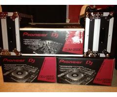 2x Pioneer CDJ-2000 Nexus & 1x DJM 2000 Nexus Mixer + coffin case + headphones