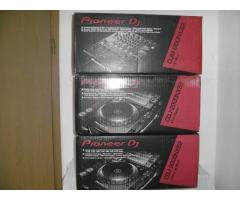 2x Pioneer CDJ-2000NXS2 & Pioneer DJM-900NXS2 Mixer Full Complete Set